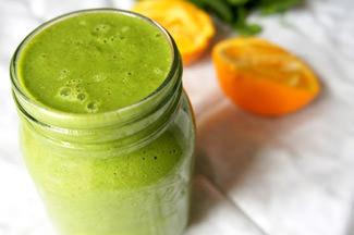 小松菜と柑橘のグリーンスムージー